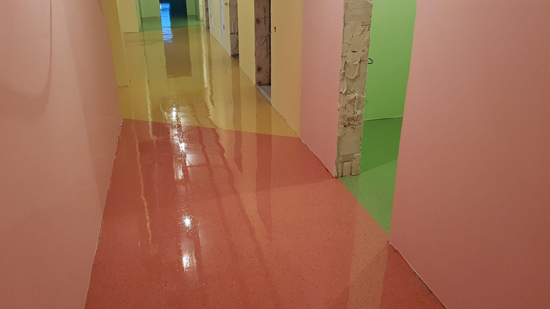 Полимерные полы для офиса или ковролин