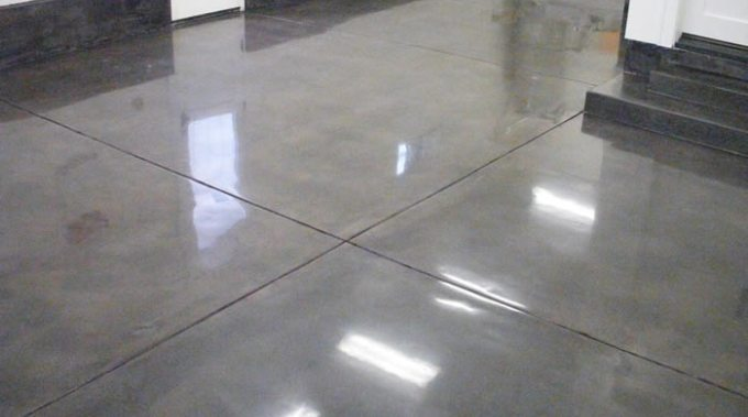 Упрочняющая и обеспыливающая пропитка для бетона и что дает упрочнение бетона?