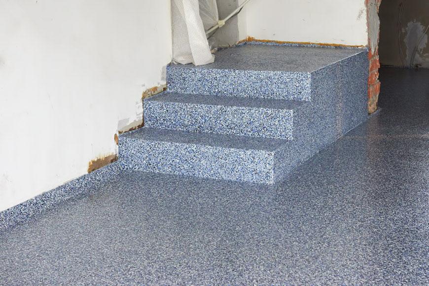 Покрытие бетонной лестницы полимером